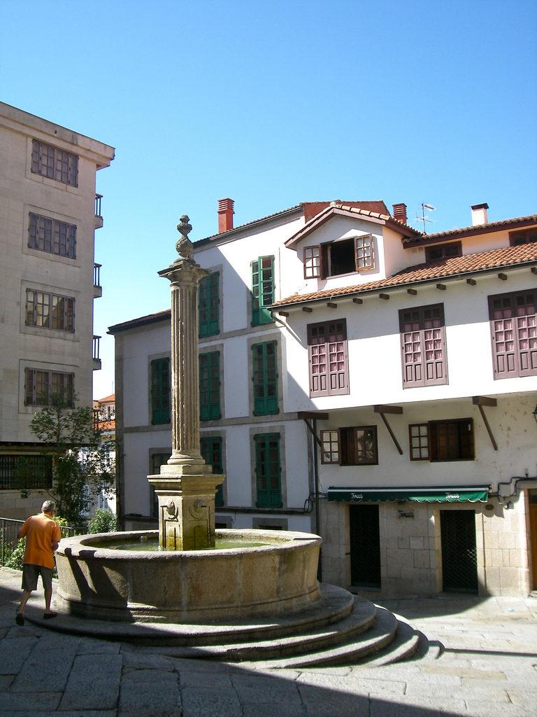 Fuente Praza do Trigo